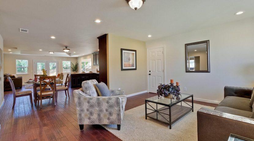1312 Selo Dr Sunnyvale CA-large-010-21-Living Room-1500x1000-72dpi