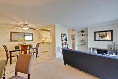 320 Auburn Way Unit 19 San-large-004-41-Living Room-1500x1000-72dpi