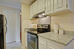 320 Auburn Way Unit 19 San-large-015-34-Kitchen-1500x1000-72dpi