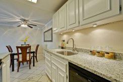 320 Auburn Way Unit 19 San-large-016-31-Kitchen-1500x1000-72dpi