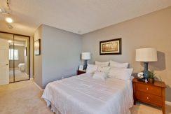 320 Auburn Way Unit 19 San-large-020-18-Master Bedroom-1500x1000-72dpi