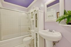 320 Auburn Way Unit 19 San-large-029-50-Bathroom-1500x1000-72dpi