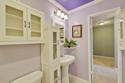 320 Auburn Way Unit 19 San-large-030-45-Bathroom-1500x1000-72dpi