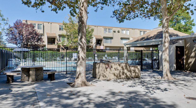 320 Auburn Way Unit 19 San-large-039-3-Community-1500x997-72dpi