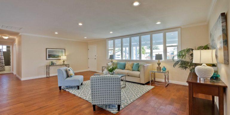 646 Los Olivos Dr Santa Clara-large-014-41-Living Room-1500x1000-72dpi