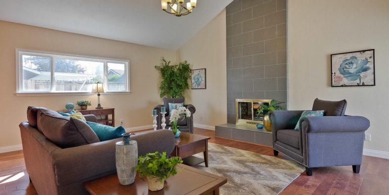 646 Los Olivos Dr Santa Clara-large-032-57-Family Room-1500x1000-72dpi