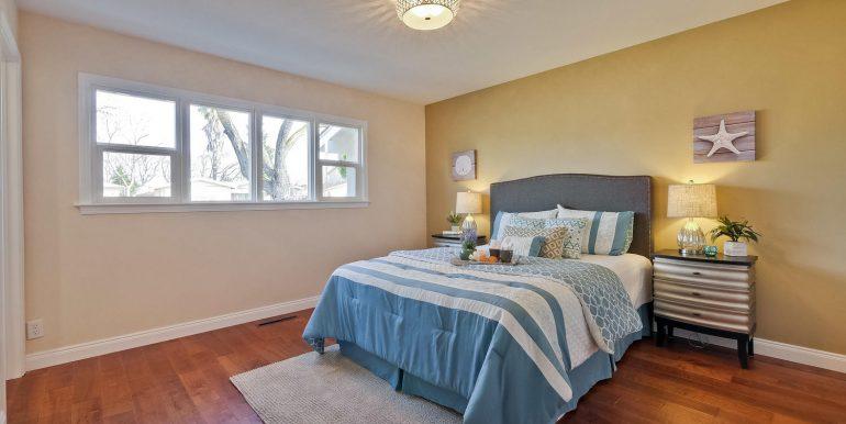 646 Los Olivos Dr Santa Clara-large-038-49-Master Bedroom-1500x1000-72dpi