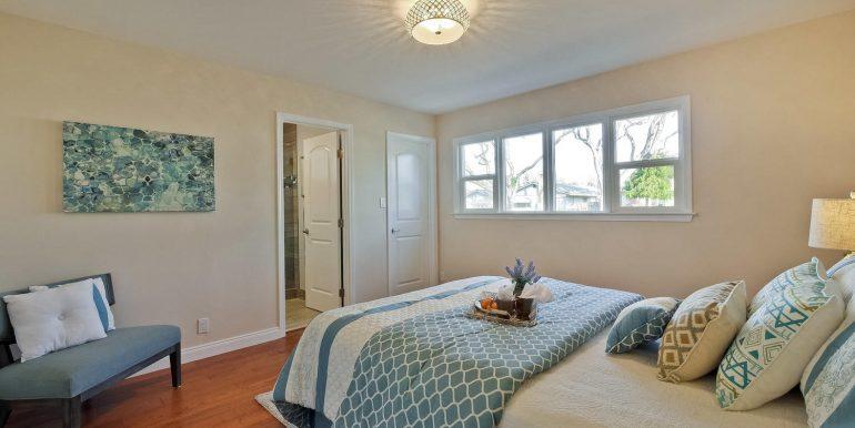 646 Los Olivos Dr Santa Clara-large-042-39-Master Bedroom-1500x1000-72dpi