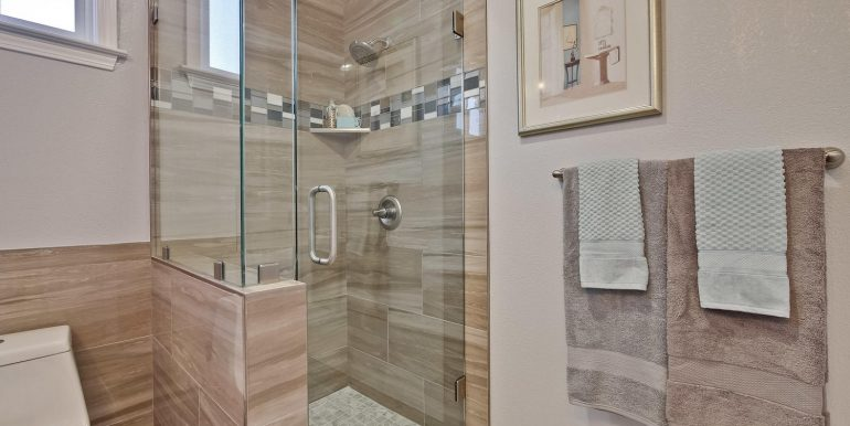 646 Los Olivos Dr Santa Clara-large-047-35-Master Bathroom-1500x1000-72dpi