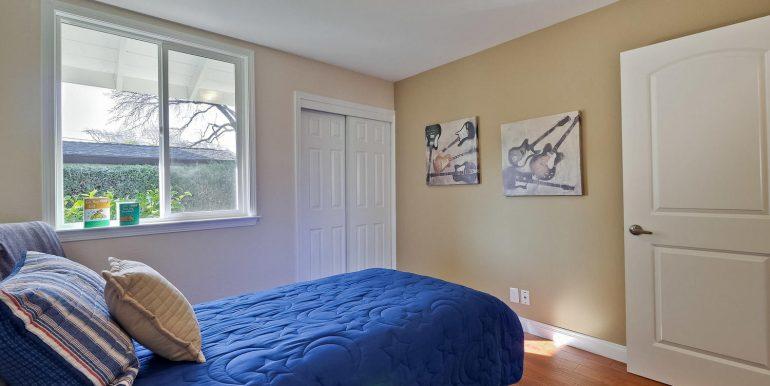646 Los Olivos Dr Santa Clara-large-049-60-Bedroom-1500x1000-72dpi