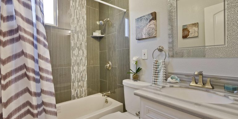 646 Los Olivos Dr Santa Clara-large-055-43-Bathroom-1500x1000-72dpi