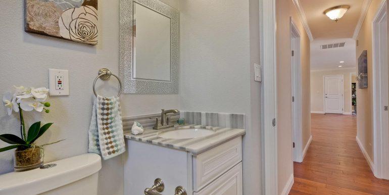 646 Los Olivos Dr Santa Clara-large-056-40-Bathroom-1500x1000-72dpi