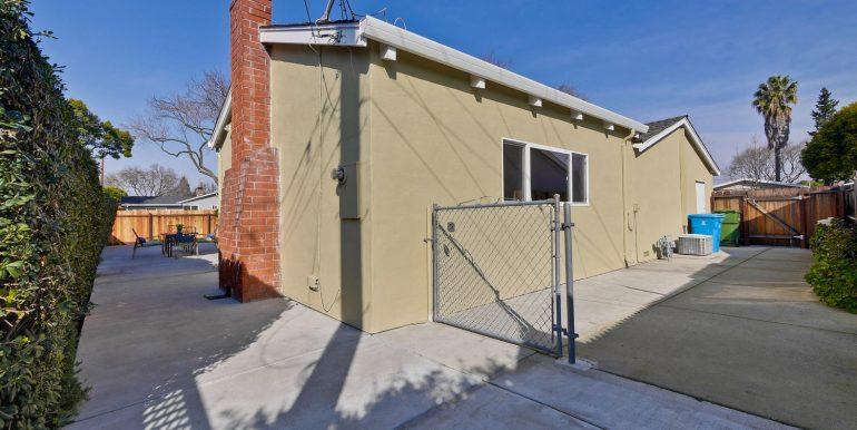 646 Los Olivos Dr Santa Clara-large-059-25-Backyard-1500x1000-72dpi